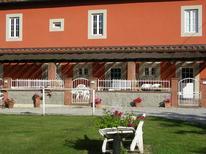 Appartement 1672103 voor 4 personen in Pescia
