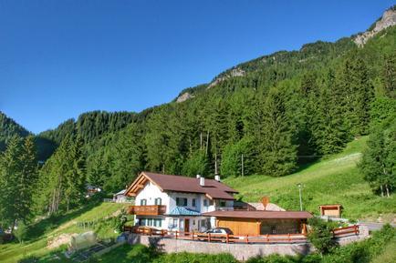 Für 3 Personen: Hübsches Apartment / Ferienwohnung in der Region Sankt Ulrich in Groeden