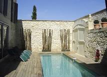 Ferienhaus 1678136 für 8 Personen in Beaucaire