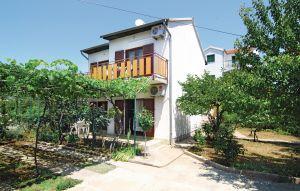 Gemütliches Ferienhaus : Region Srima für 12 Personen