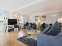 Holiday home 1680598 for 12 persons in Hythe