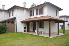 Ferienwohnung 1689443 für 8 Personen in Lido delle Nazioni