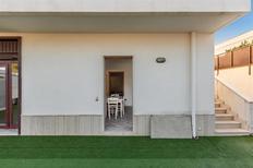 Ferienwohnung 1694893 für 4 Personen in Maruggio