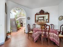 Vakantiehuis 1695619 voor 12 personen in Higuera de la Sierra