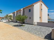 Ferienhaus 1696997 für 8 Personen in Privlaka