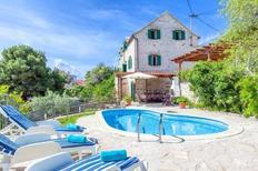 Casa de vacaciones 1697595 para 8 personas en Sumartin