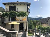 Vakantiehuis 1698417 voor 6 personen in Borgnone