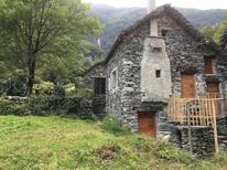 Villa 1698591 per 5 persone in Cevio