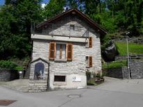 Holiday apartment 1698608 for 5 persons in Gorduno