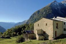 Vakantiehuis 1698946 voor 6 personen in Brusio