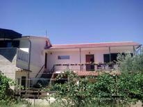 Appartement 1699582 voor 5 personen in Pirovac
