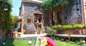 Casa de vacaciones 1699628 para 4 personas en Trecastagni