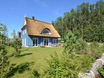 Holiday home 1703374 for 8 persons in Glowe