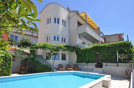 Gemütliches Ferienhaus : Region Split-Dalmatien für 14 Personen