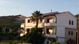 Holiday apartment 1710337 for 4 persons in Barbat na Rabu