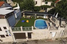 Holiday apartment 1716954 for 6 persons in Brac-Selca