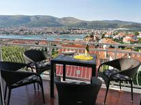 Holiday apartment 1717368 for 5 persons in Trogir