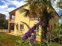 Vakantiehuis 1717547 voor 8 personen in Funtana