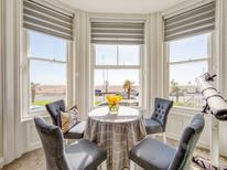 Holiday apartment 1719900 for 4 persons in Folkestone