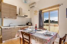 Ferienwohnung 1722319 für 7 Personen in Lizzano