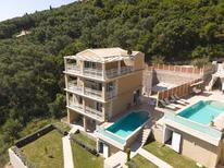 Vakantiehuis 1723675 voor 9 personen in Aghios Mattheos