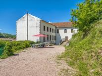 Vakantiehuis 1724321 voor 14 personen in Pontgibaud