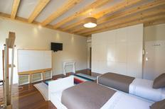Room 1732297 for 3 persons in Porto