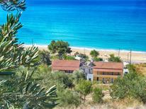Appartement 1732789 voor 2 personen in Agios Georgios Armenadon