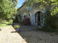 Dom wakacyjny 1734347 dla 12 osób w Cussay