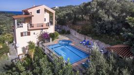 Ferienhaus 1737007 für 8 Personen in Stalos