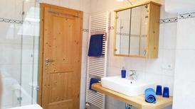 Ferienwohnung 1738046 für 2 Erwachsene + 2 Kinder in Kreuth