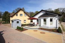 Ferienwohnung 1739639 für 3 Personen in Koserow