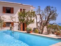 Ferienhaus 1742880 für 12 Personen in Nerano