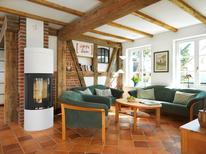 Vakantiehuis 1743556 voor 4 volwassenen + 1 kind in Wieck am Darß