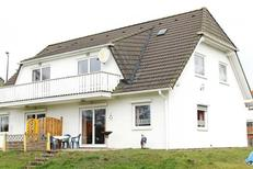 Ferienwohnung 1749969 für 4 Personen in Lütow