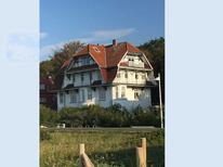 Ferienwohnung 1756724 für 4 Personen in Warnemünde