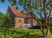 Holiday home 1819087 for 6 adults + 1 child in Zingst