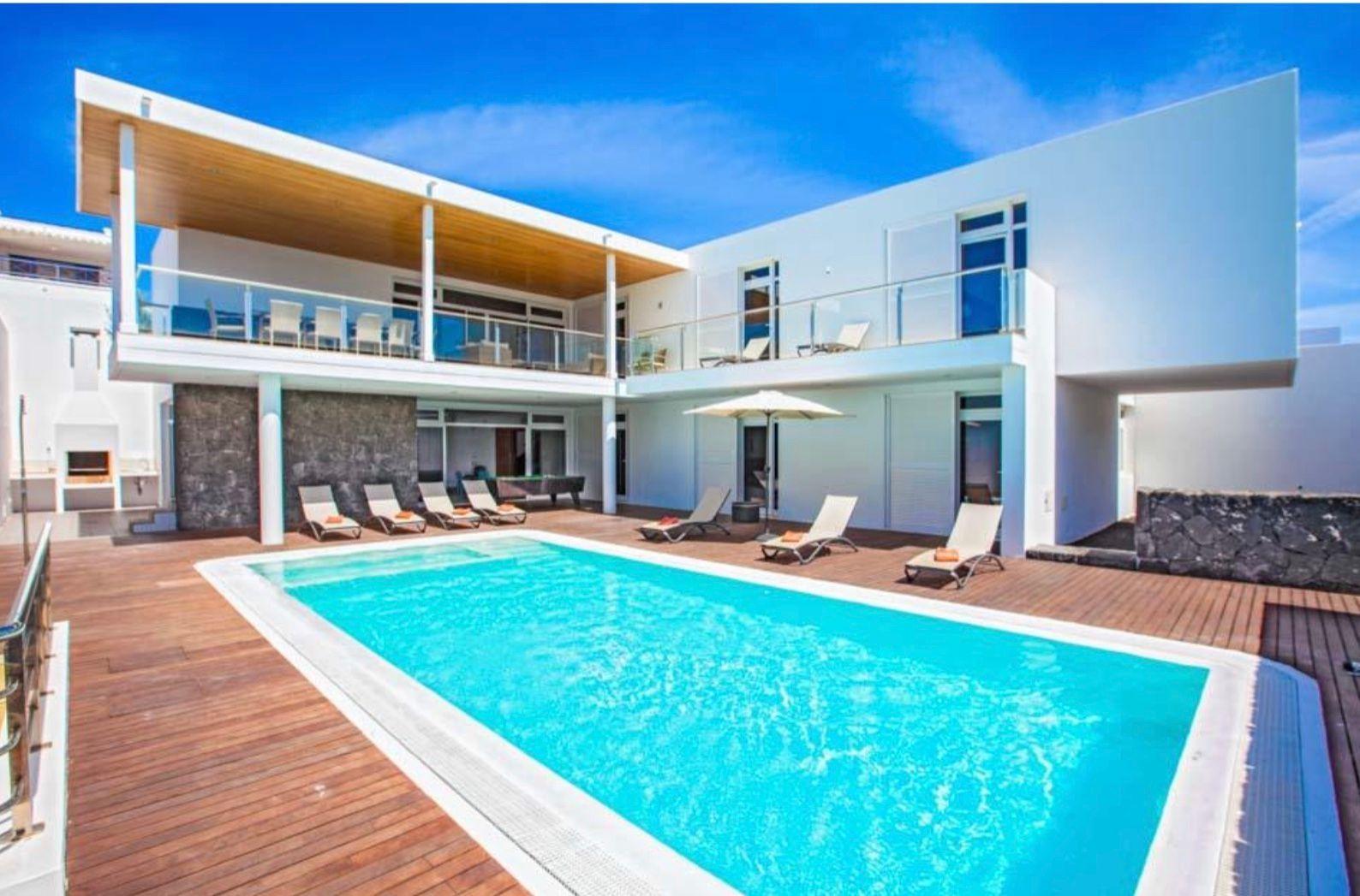 Ferienhaus mit Privatpool für 10 Personen  +    Lanzarote