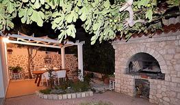 Holiday apartment 1835921 for 5 persons in Pag