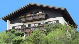 Ferienwohnung 1837153 für 3 Erwachsene + 1 Kind in Sankt Gilgen