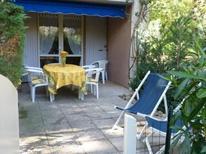 Ferienwohnung 1837820 für 6 Personen in Le Lavandou