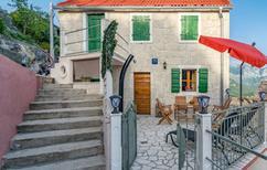 Vakantiehuis 1841793 voor 2 personen in Omis-Podgrade