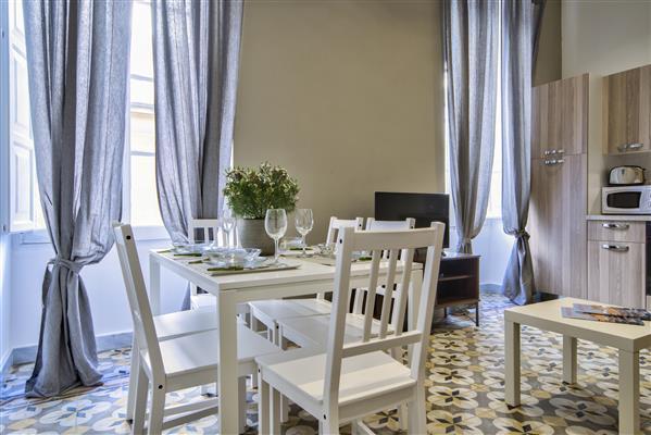 Central Valletta Duplex 2 Schlafzimmer Apt