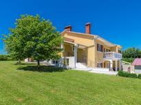 Vakantiehuis 1845848 voor 10 personen in Barban