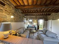 Holiday home 1856194 for 15 persons in Amandola