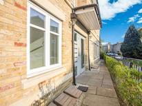 Appartement 1860302 voor 4 personen in Hatfield