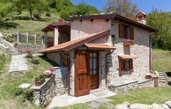 Ferienhaus 1860520 für 4 Personen in Camaiore