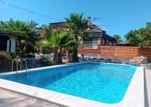 Holiday home 1860716 for 15 persons in Benidorm
