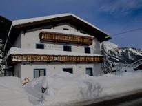 Ferienwohnung 1863955 für 8 Personen in Bichlbach