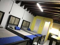 Room 1865748 for 6 persons in Guadalajara